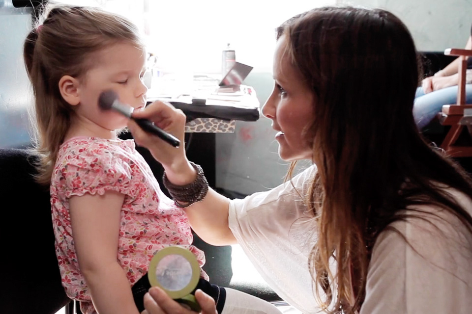 Make Up Artist Und Visagistin Ausbildung Make Up Academy: Hair & Make-Up Artist